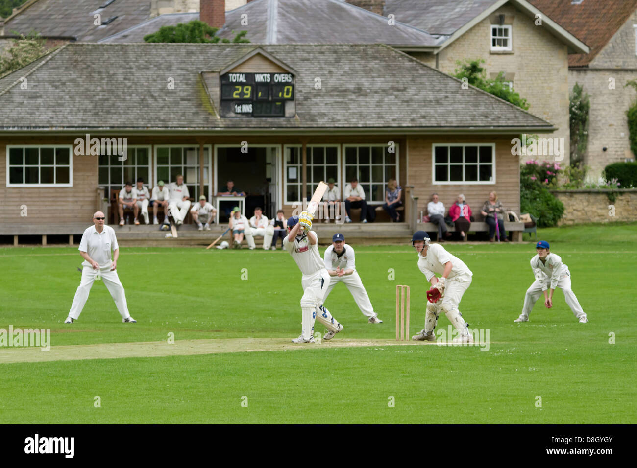 Partido de Cricket Hovingham, North Yorkshire Imagen De Stock