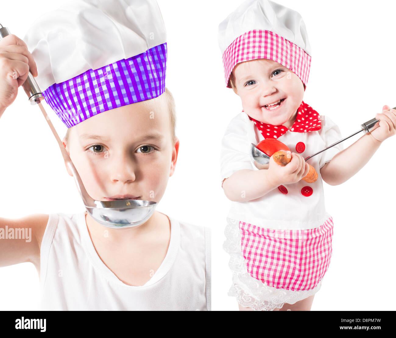 Los niños cocinar chico y chica vistiendo un sombrero de chef con pan  aislado sobre fondo blanco.El concepto de comida saludable y la infancia a57a2f8020db