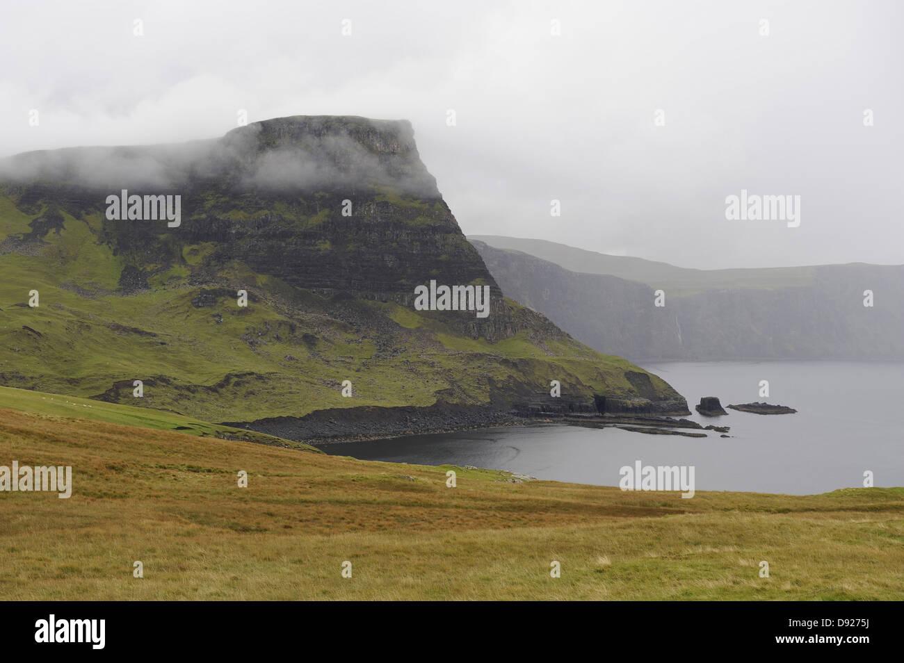 Waterstein Head, Moonen Bay, Neist Point, Isla de Skye, Escocia, Gran Bretaña Foto de stock