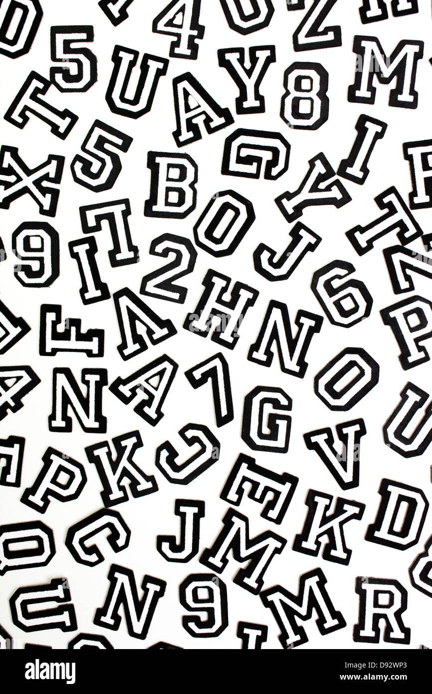 Dos Hojas Negro Blanco Varsity Números Letras Alfabeto Álbum de Recortes Pegatinas