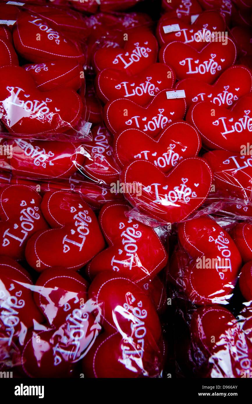 Día de San Valentín amor corazones regalo, Chinatown mercado, Tailandia Bangkok Imagen De Stock