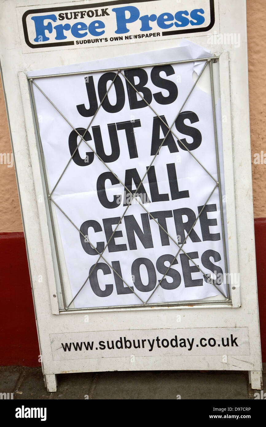 Periódico local anunciar recortes de prensa libre, Suffolk, Sudbury, Inglaterra Imagen De Stock