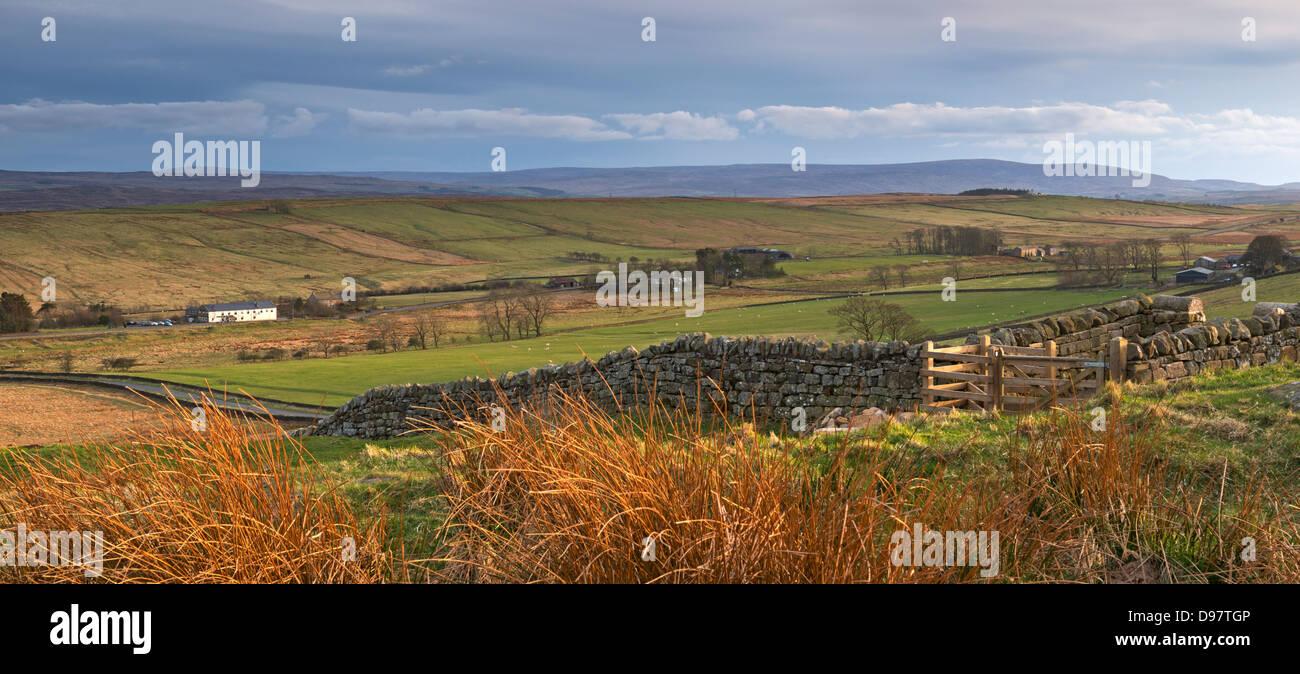 Amplios paisajes del Parque Nacional de Northumberland, visto desde acero riscos, Northumberland, Inglaterra. La Imagen De Stock