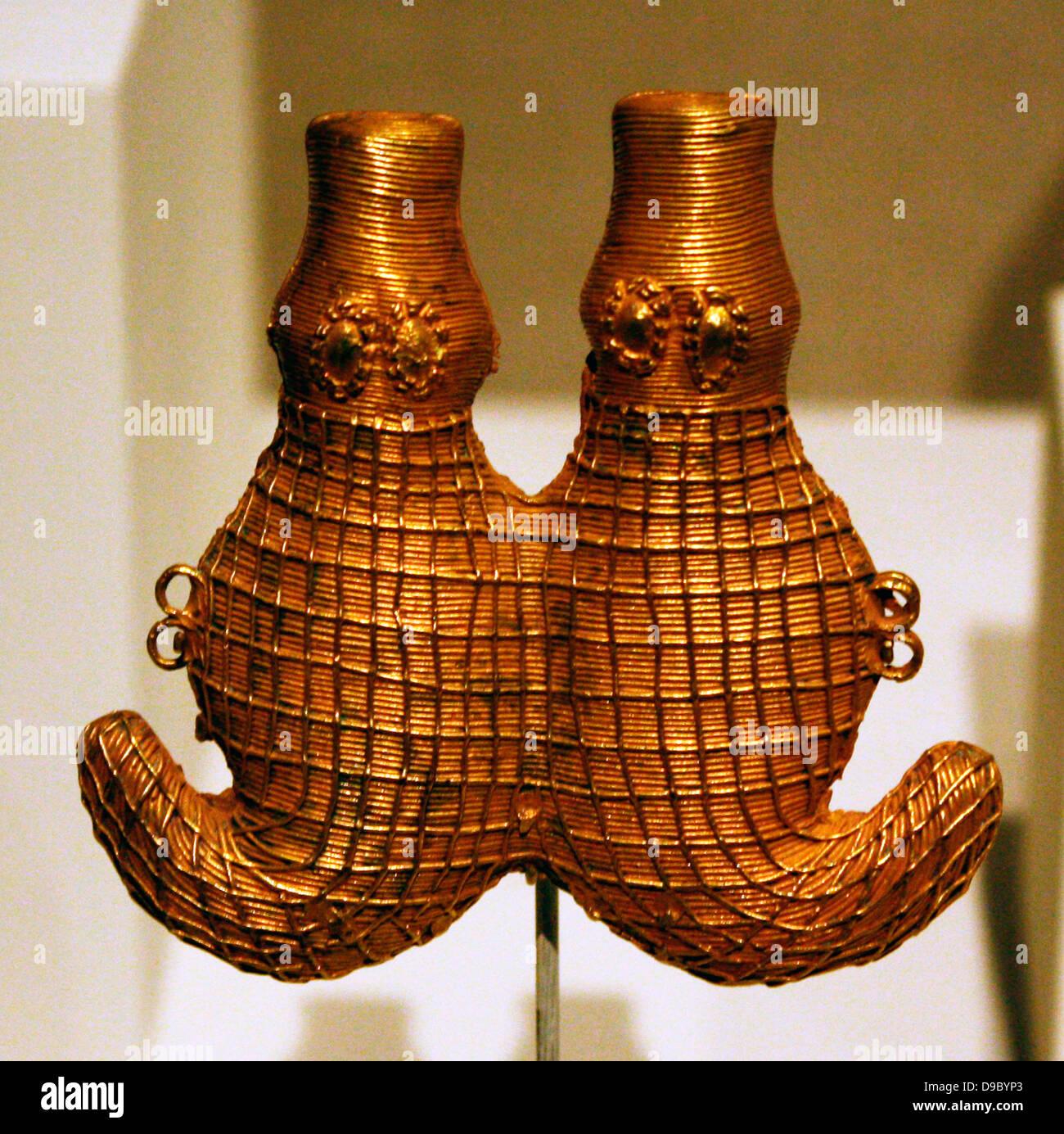 Cocodrilo doble - Código d'Ivoire, 19ª del siglo XX. Oro Imagen De Stock