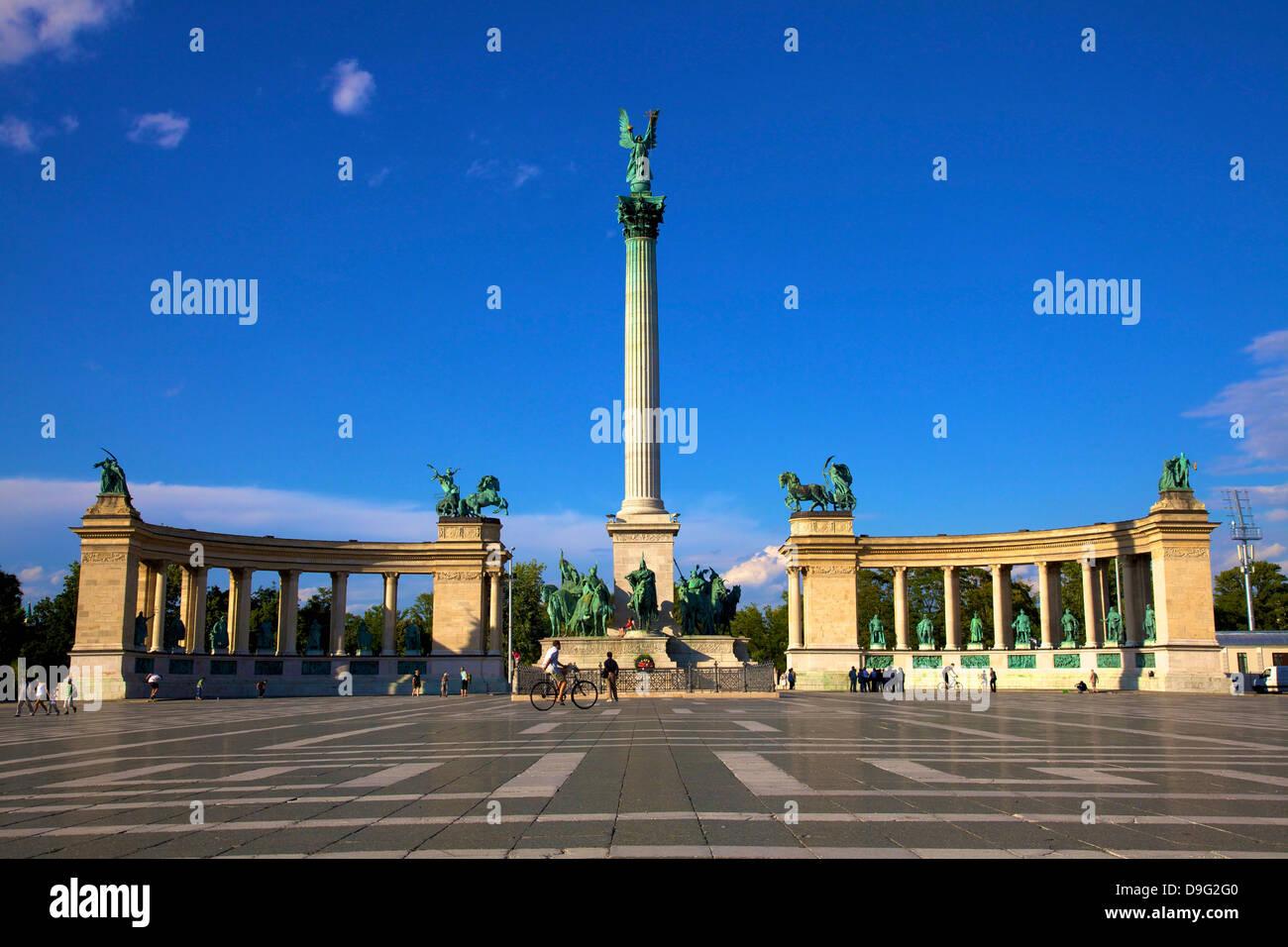Monumento del Milenio, la Plaza de los Héroes, Budapest, Hungría Imagen De Stock