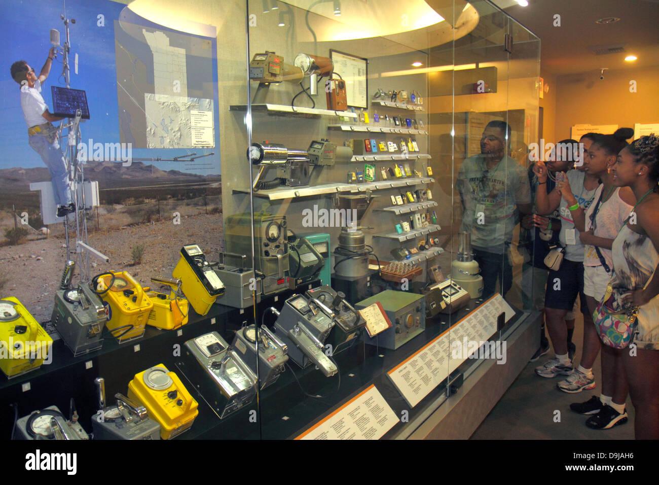 Las Vegas Nevada,Flamingo Road,Museo Nacional de Pruebas Atómicas,desarrollo de armas nucleares,Área 51,alienígenas,contadores Geiger,radiación,actividad de radio,Blac Foto de stock