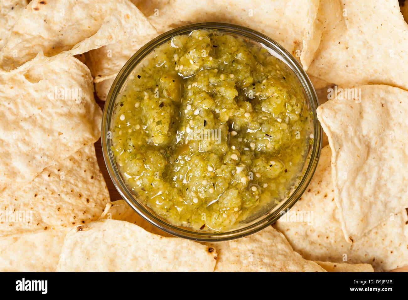 Casera dulce Salsa Verde con tortilla chips Imagen De Stock