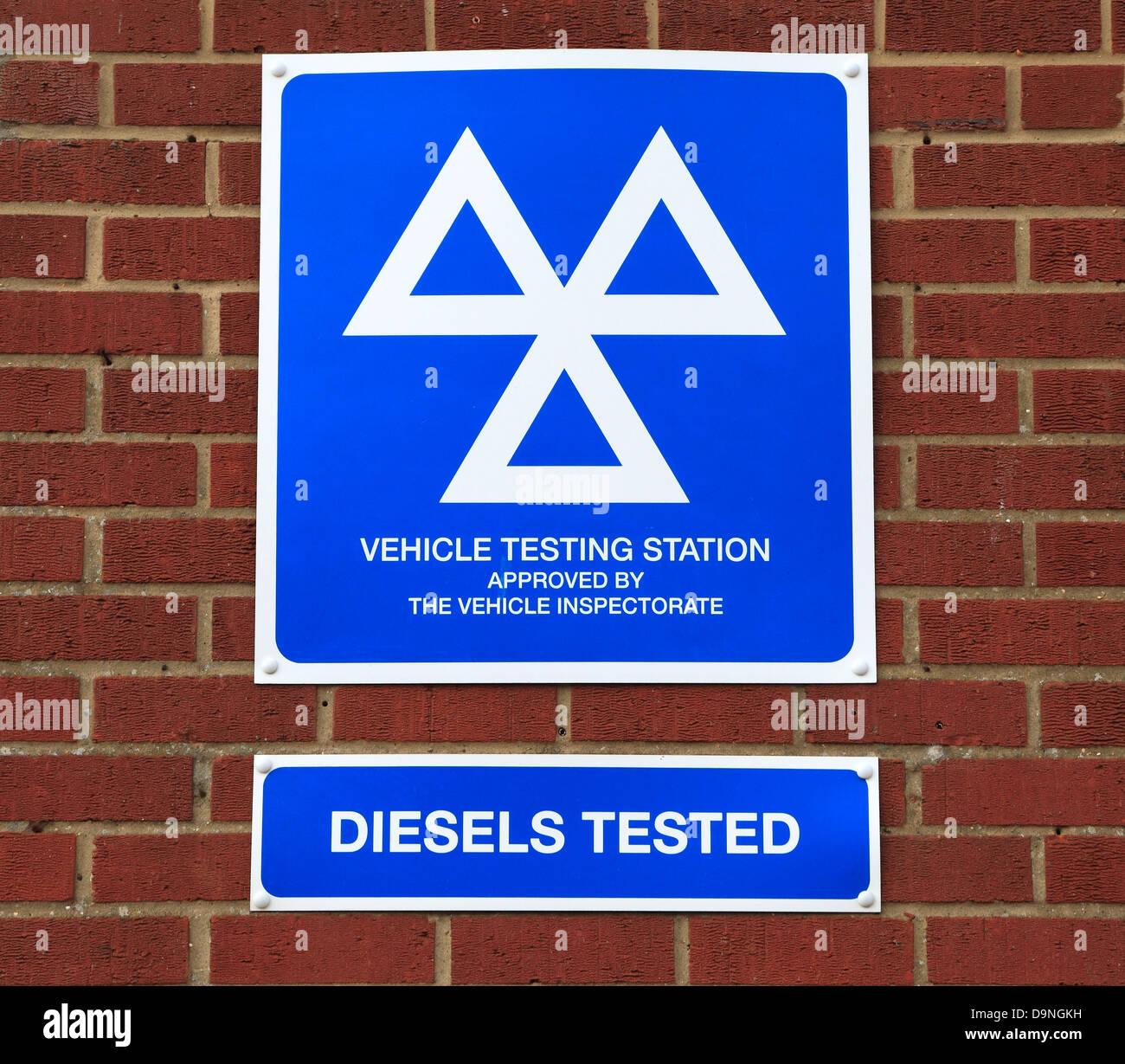 Estación de prueba del vehículo, MOT, logo, Inglaterra, diesel, M.O.T. Imagen De Stock