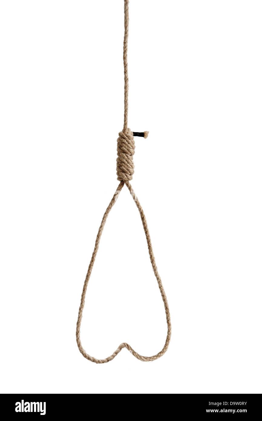 Cuerda hangmans nudo en forma de corazón aislado sobre fondo blanco. Imagen De Stock
