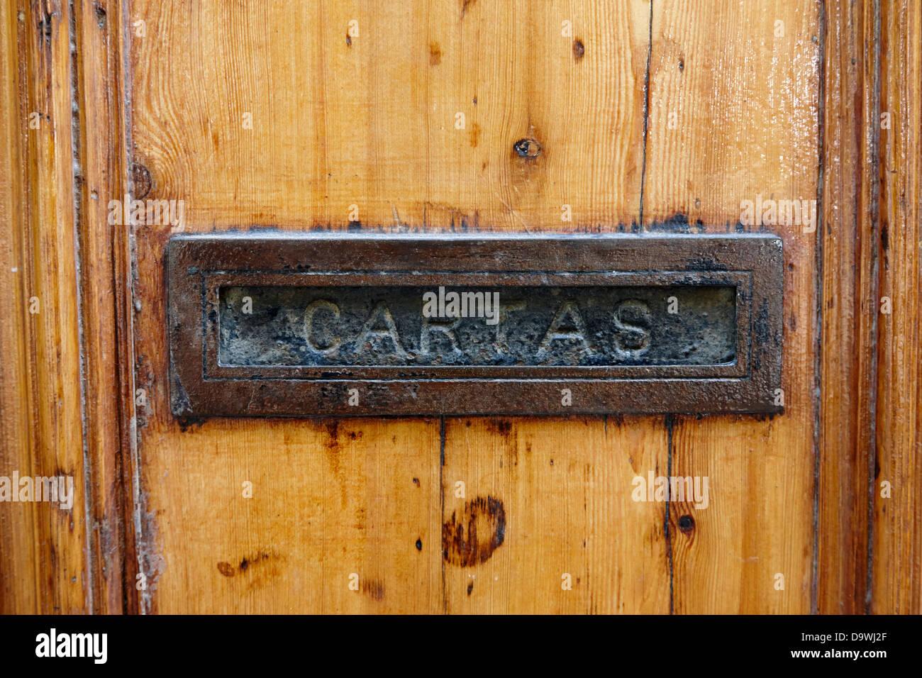 Cartas viejas letterbox muebles puerta puerta de madera - Puertas madera barcelona ...