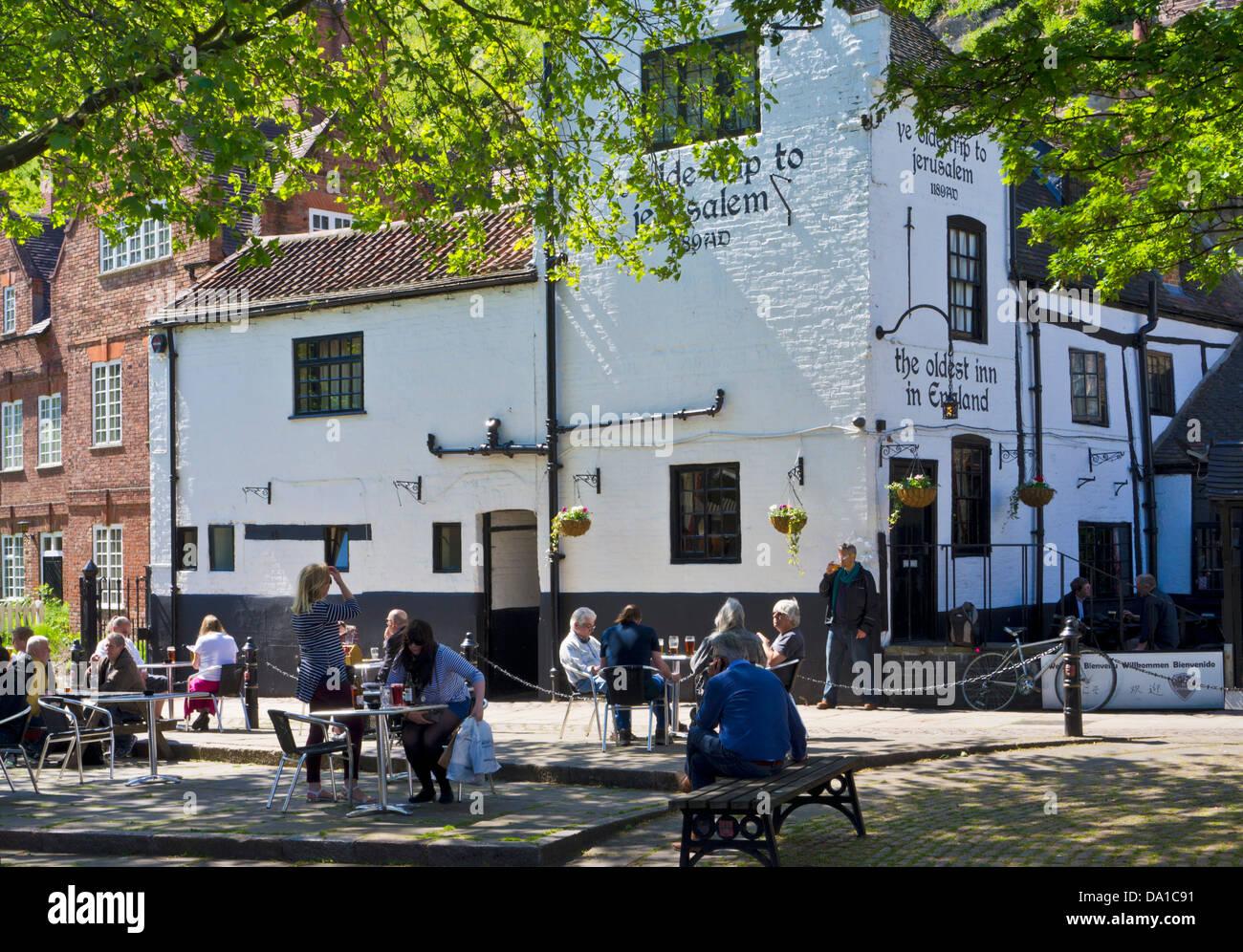 Ye Olde viaje a Jerusalén pub en el centro de la ciudad de Nottingham Inglaterra Nottinghamshire GB Europa Imagen De Stock