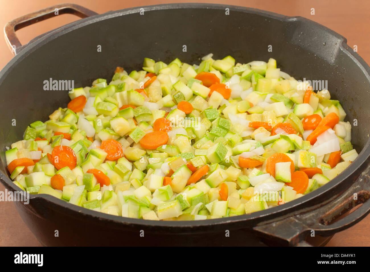Temple de trocitos de verduras para saltear closeup Imagen De Stock