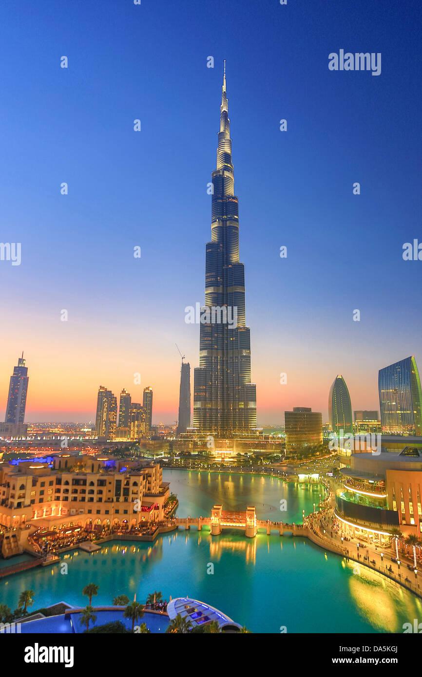 Emiratos Árabes Unidos, EAU, Dubai, la ciudad, el centro, el Burj, Construcción, edificio Burj Khalifa, arquitectura, Foto de stock