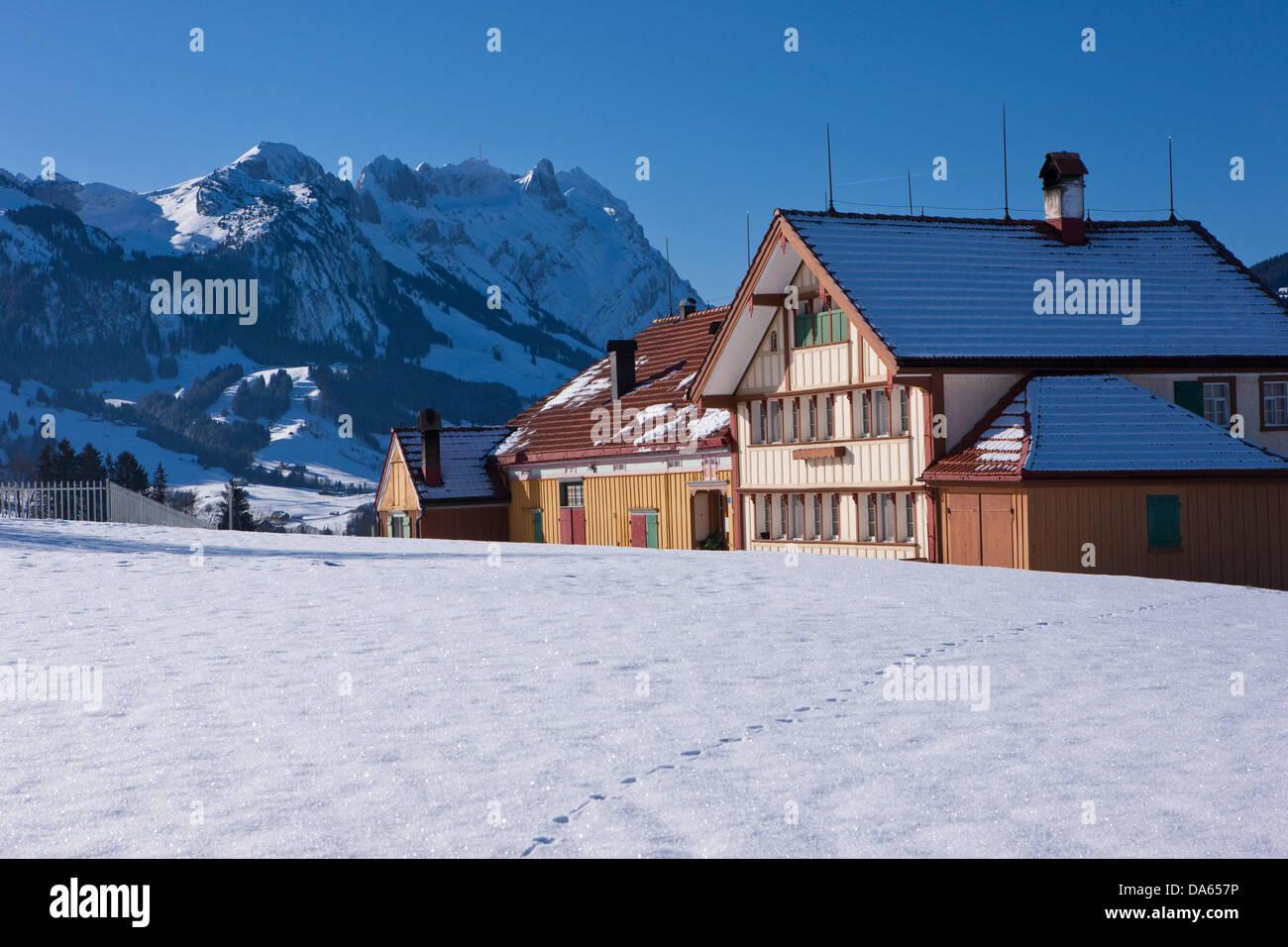 Granja, Säntis, en invierno, las montañas, las montañas, la agricultura, el cantón de Appenzell Imagen De Stock