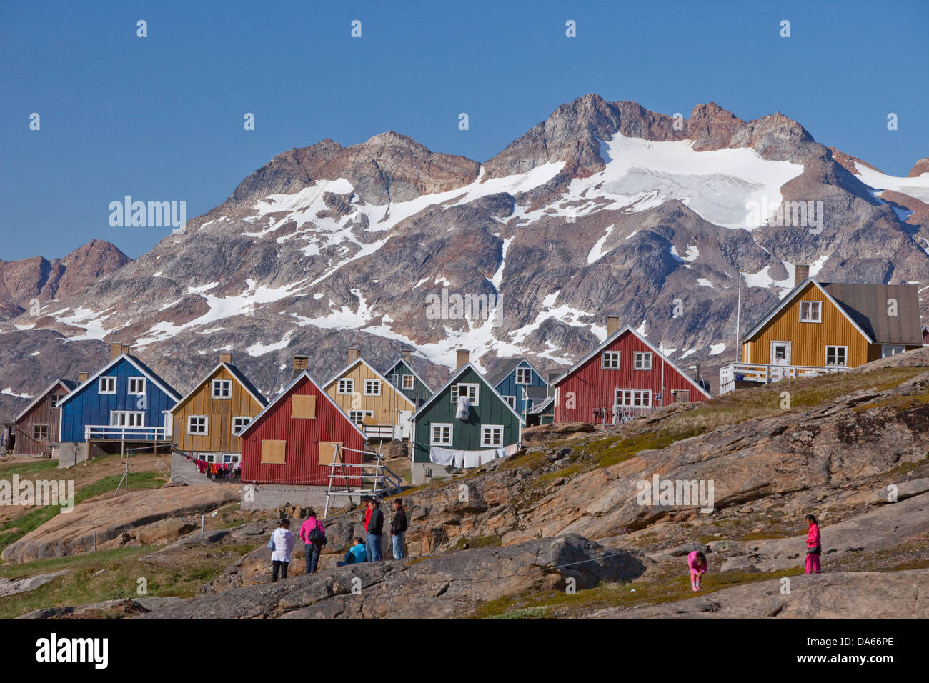 Tassiilaq, casas, casas, pueblo, ciudad, Groenlandia Oriental, Groenlandia Imagen De Stock
