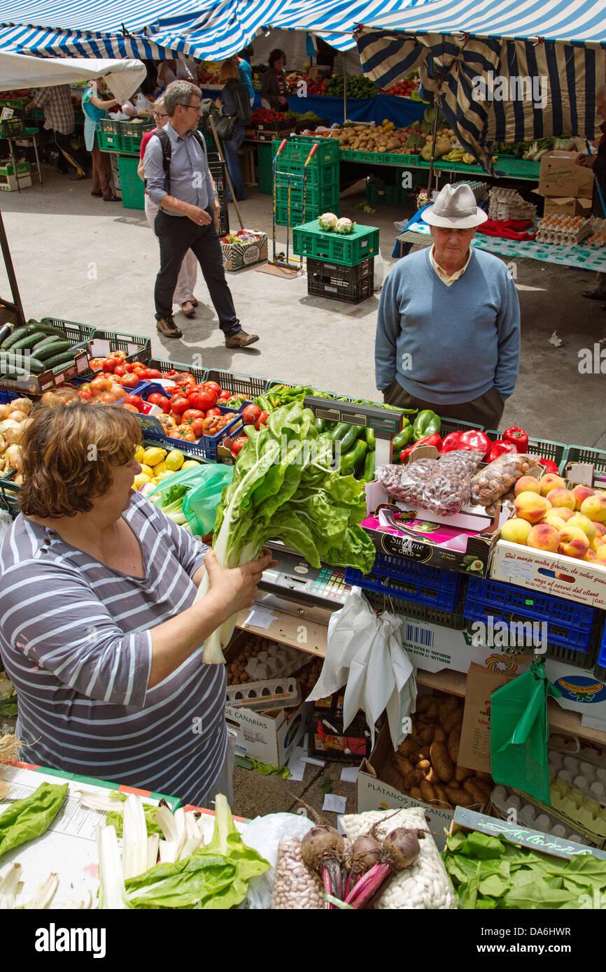 Mercado de frutas y verduras Santander Cantabria España Foto de stock