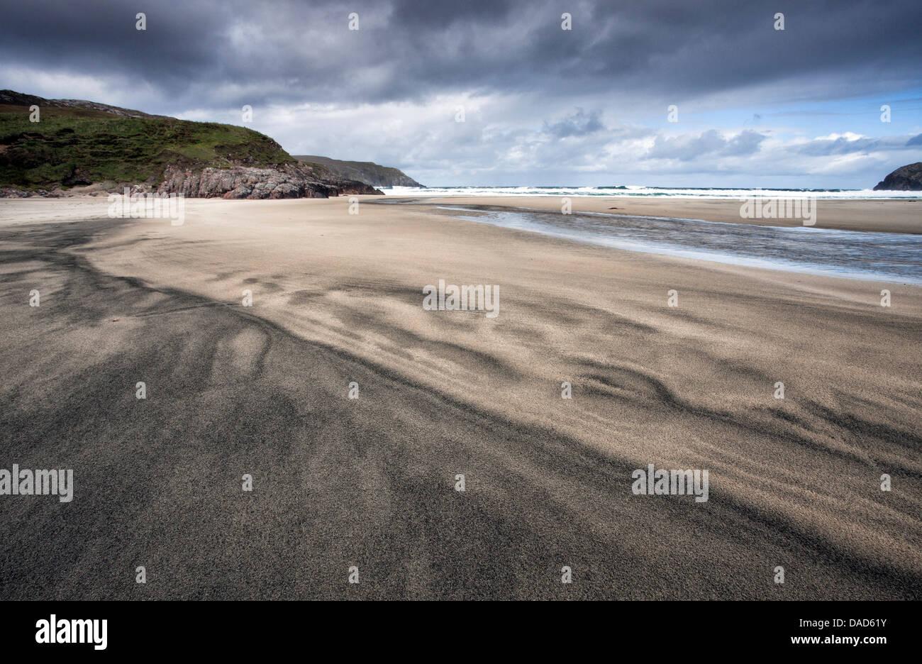Playa Dalbeg con patrones complejos en la arena, cerca de la isla de Lewis, Carloway, Hébridas Exteriores, Imagen De Stock
