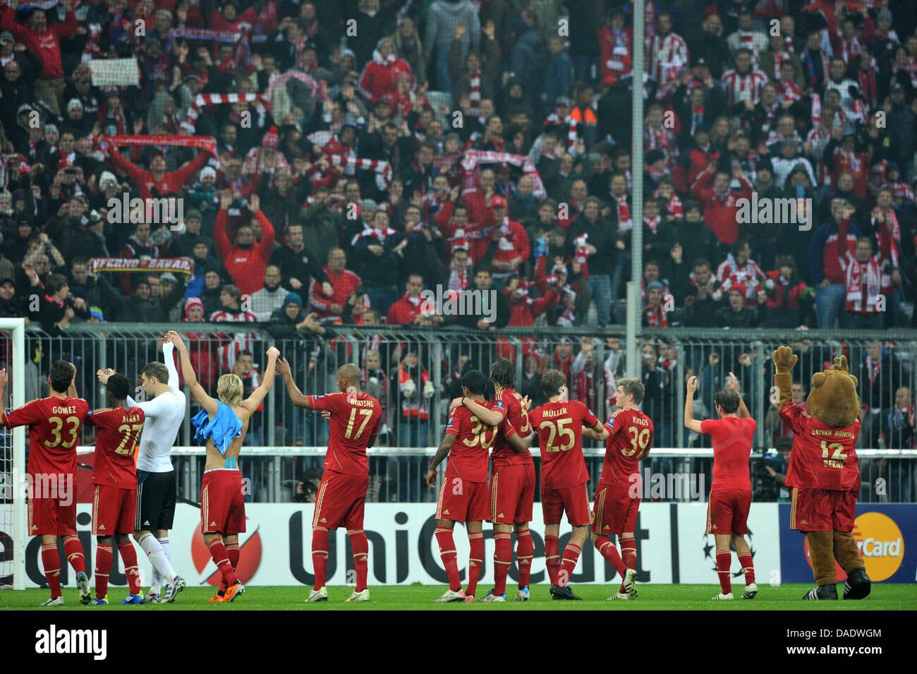 430298b7bfa33 El equipo de Munich se celebra después de la Liga de Campeones grupo  durante un partido