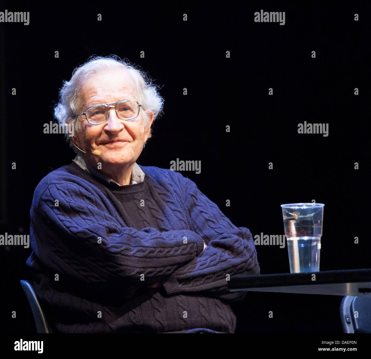 Intelectual estadounidense Noam Chomsky Foto de stock
