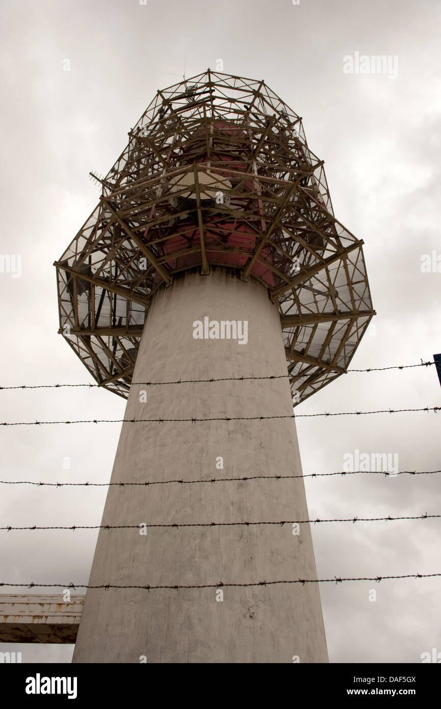 Guerra Fría torre de radio Alambradas hormigón Imagen De Stock