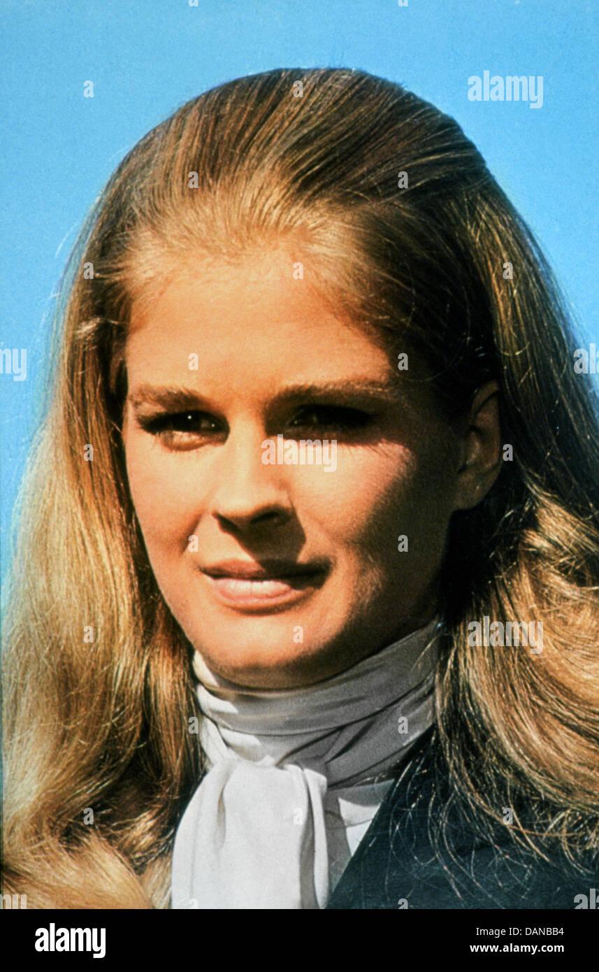 Los aventureros (1969) Candice Bergen 8f23f9eb483