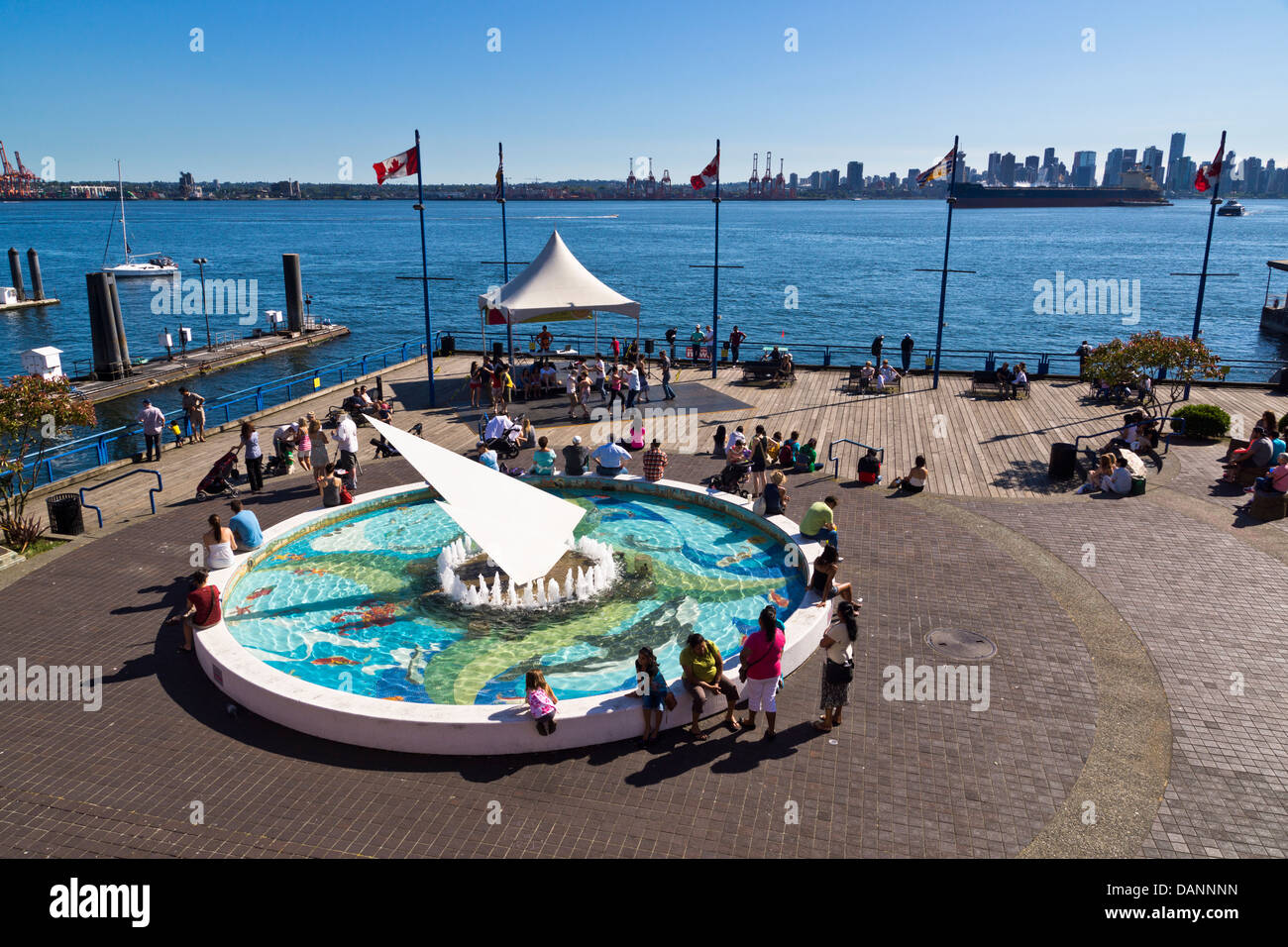 Lonsdale Quay Waterfront, North Vancouver, British Columbia, Canadá. Imagen De Stock