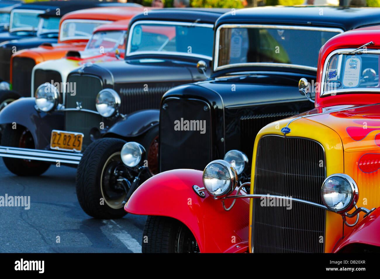1932 automóviles Ford en una fila durante 2013 días Deuce Noroeste Hot Rod show-Victoria, British Columbia, Imagen De Stock
