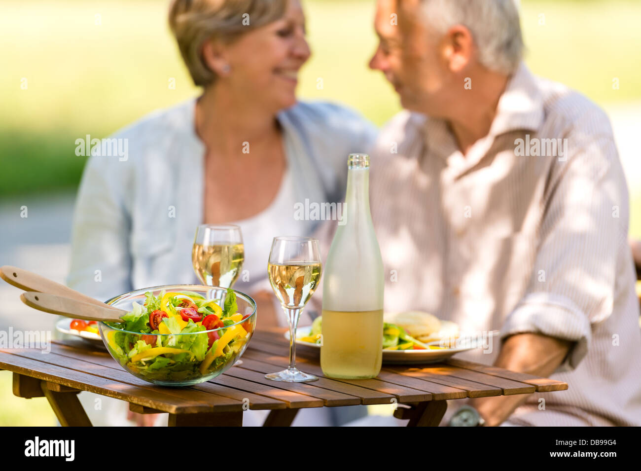 comer senior personals Senior singles know seniorpeoplemeetcom is the premier online dating destination for senior dating browse mature and single senior women and senior men for free, and find your soul mate today.