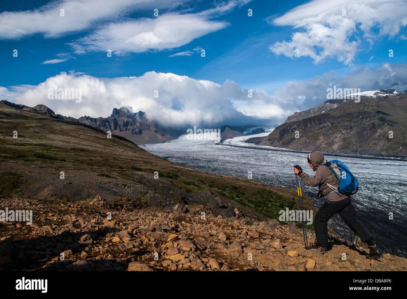 Skaftafell, una de las lenguas of el glaciar Vatnajokull (Parque Nacional de Vatnajökull sur) Islandia, Escandinavia, Europa. Foto de stock