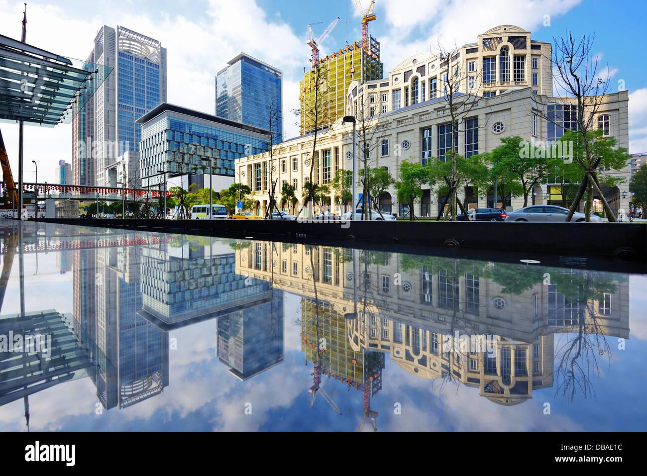 Ciudad de Taipei, Taiwán, en el distrito de Xinyi. Imagen De Stock