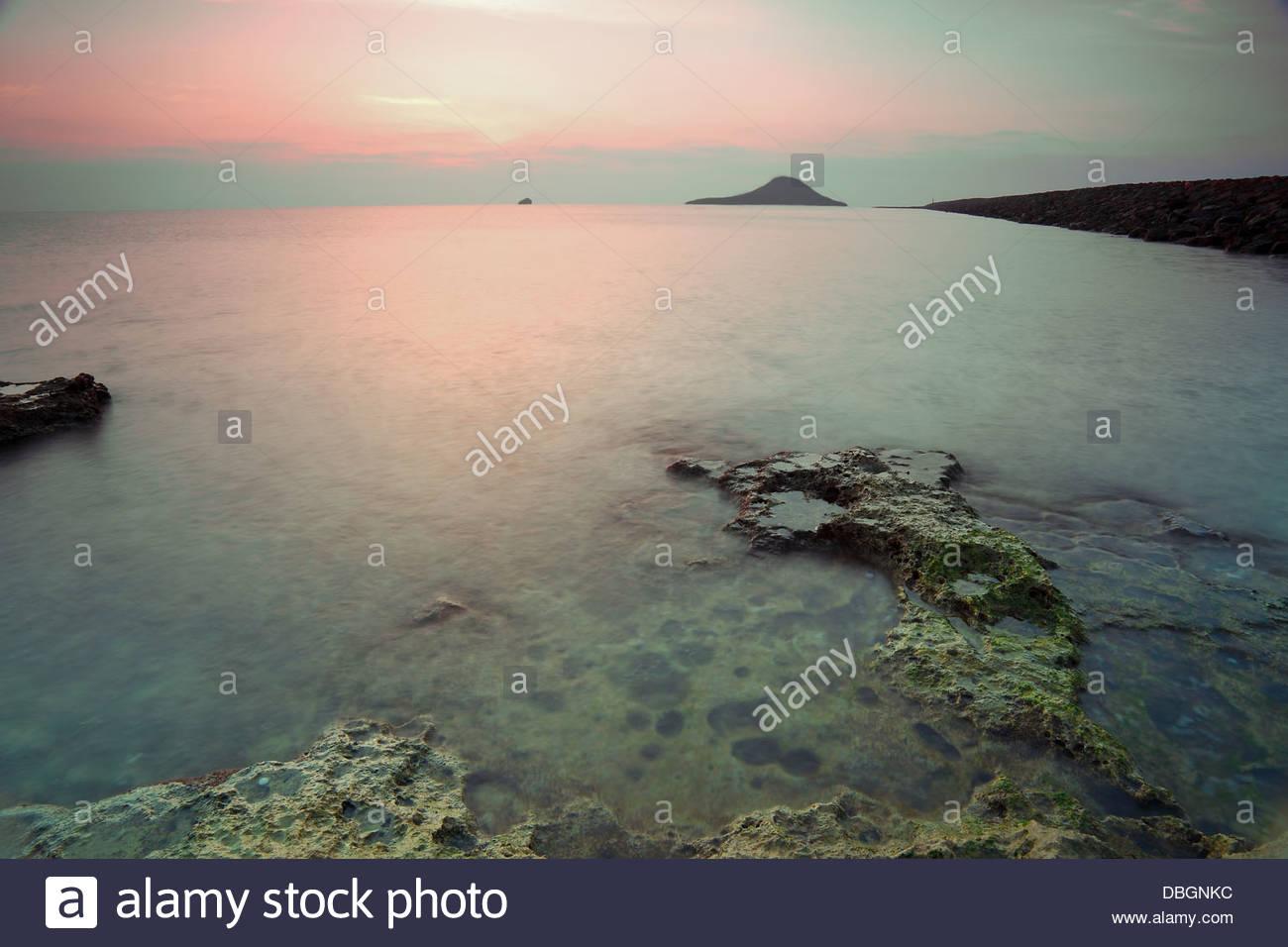 Amanecer en La Manga del Mar Menor, Murcia, España. Imagen De Stock