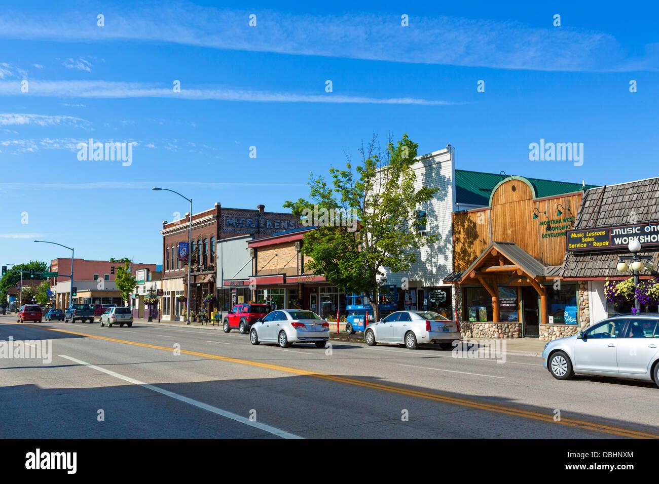 Calle principal de la ciudad de Kalispell, Montana, EE.UU. Imagen De Stock