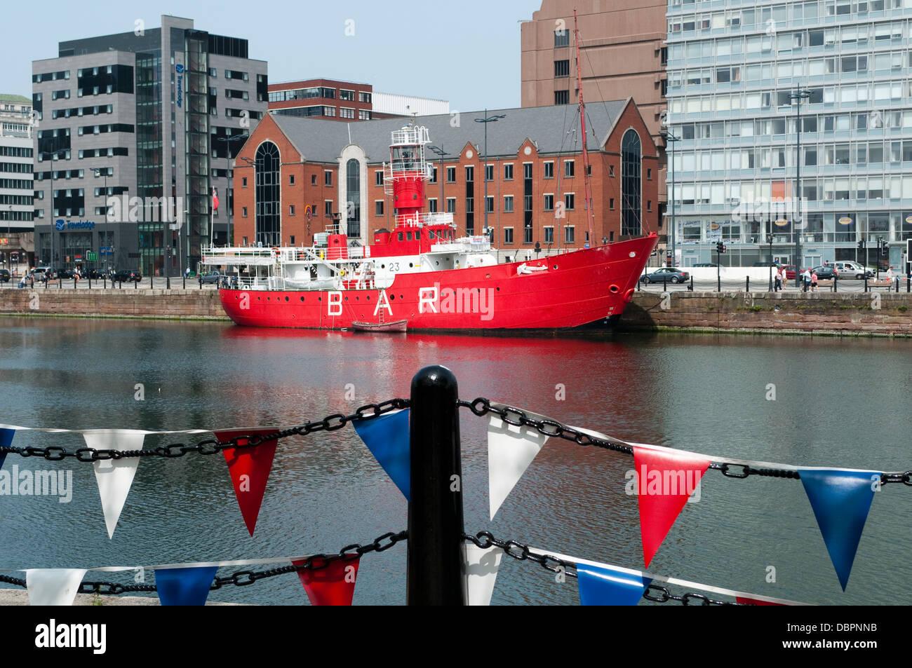 Barco Bar, astucia Dock, Liverpool, Reino Unido Imagen De Stock