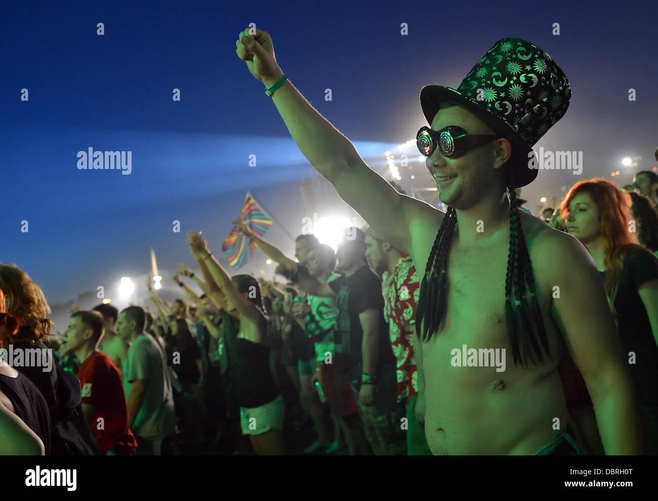 Kostrzyn, Polonia. 02Nd ago, 2013. El pueblo celebra en Przystanek Woodstock Woodstock (estación) en Kostrzyn, Imagen De Stock