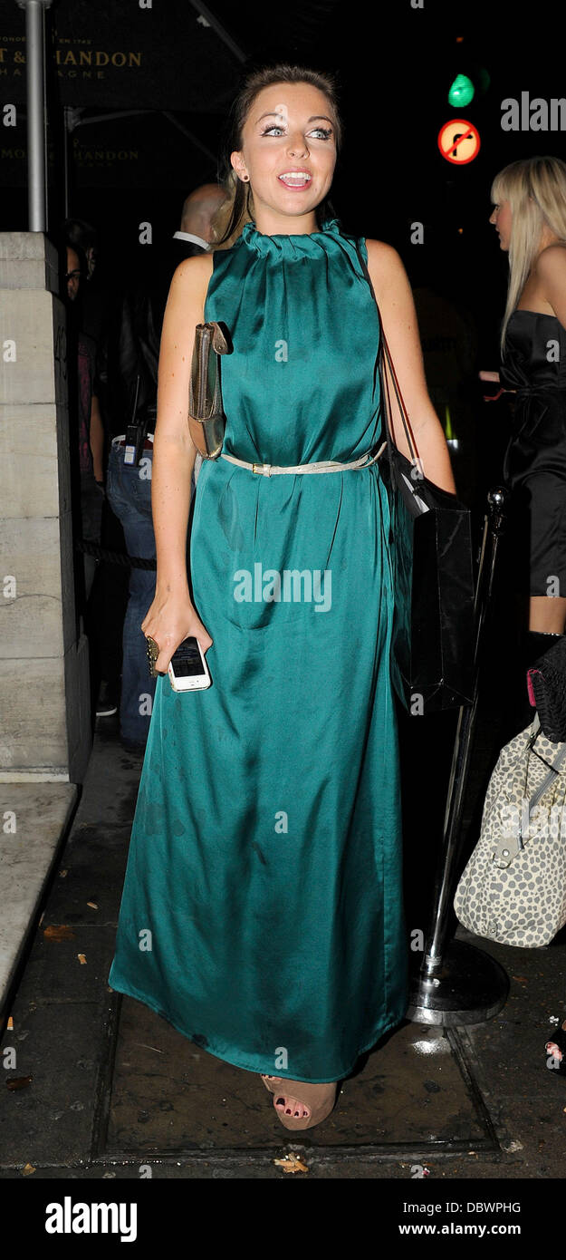 Louisa Lytton dejando Aura discoteca con amigos. Londres, Inglaterra - 08.09.11 Foto de stock