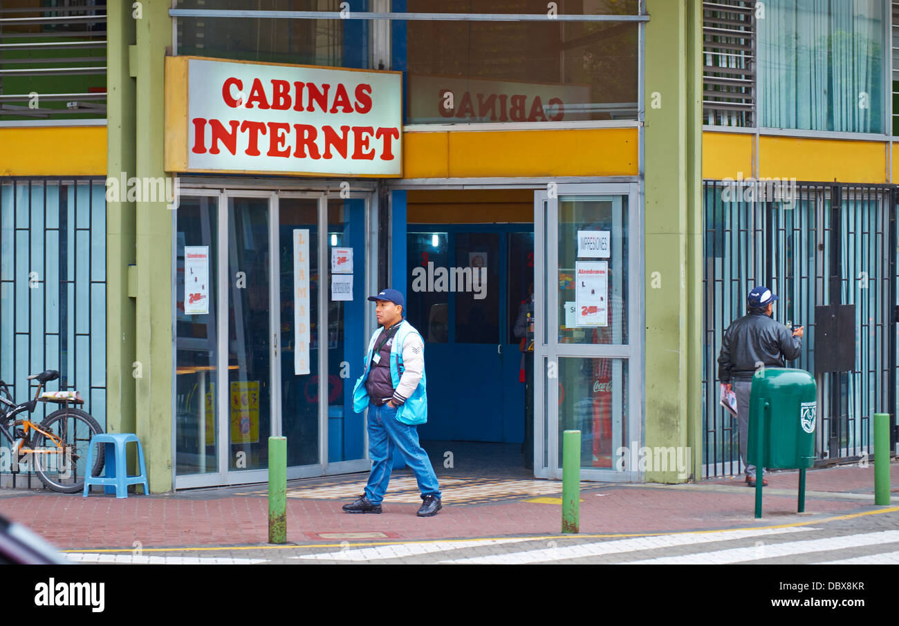 Internet café en el distrito de Miraflores de Lima, Perú. Imagen De Stock