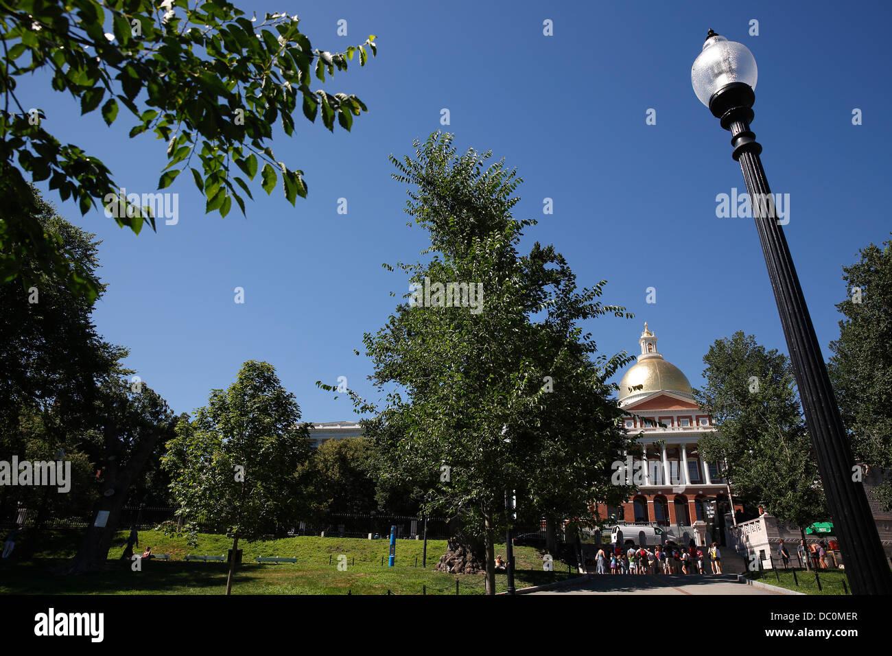 La Casa del Estado de Massachusetts y Boston Common en el Freedom Trail, Boston, Massachusetts Imagen De Stock