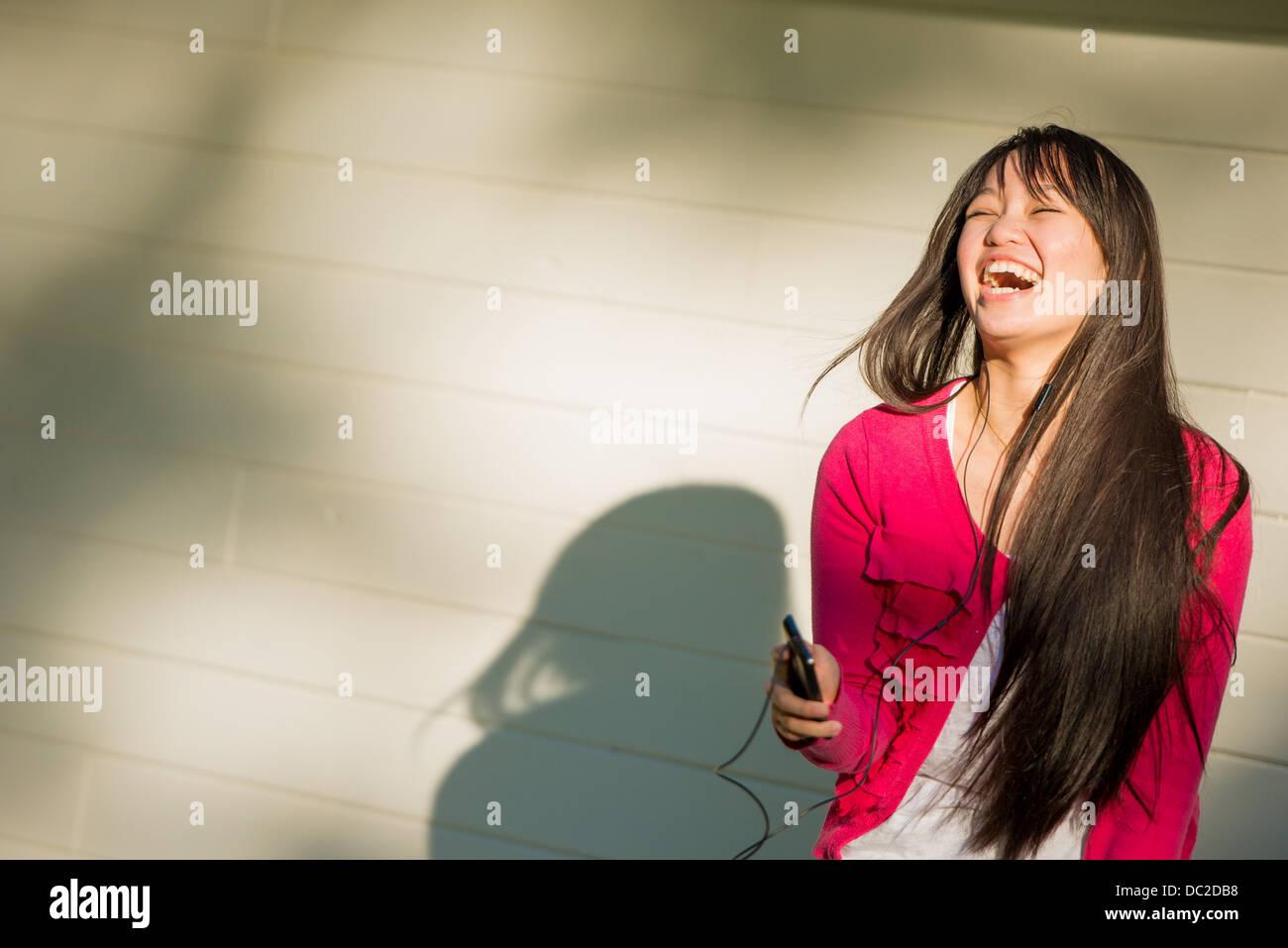 Mujer riendo Imagen De Stock