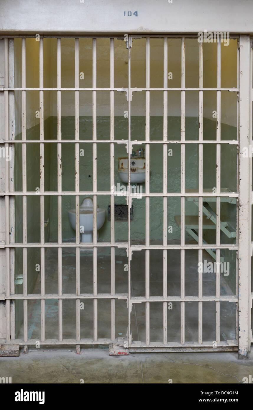 Celda de cárcel penitenciaria de Alcatraz Foto de stock