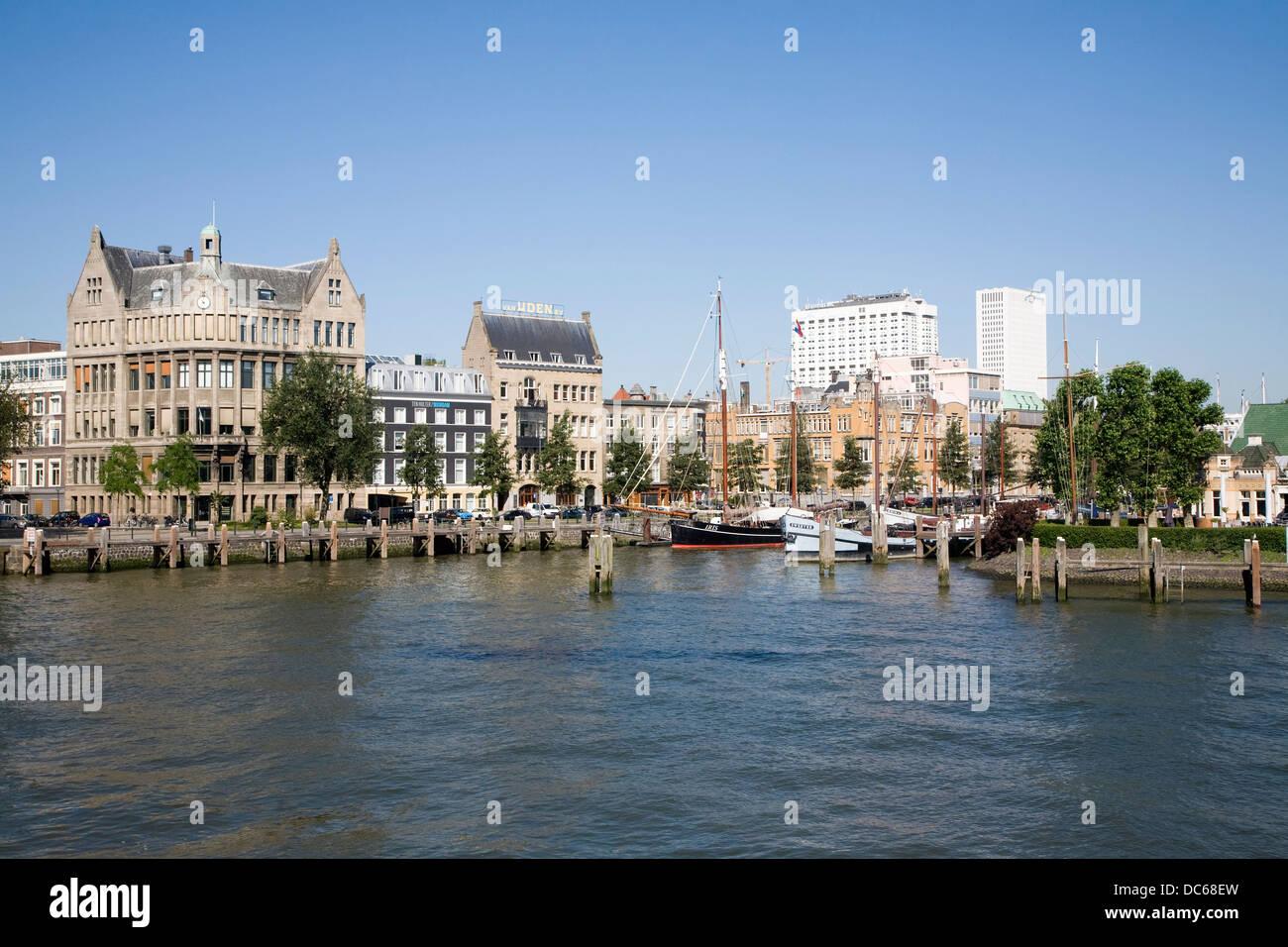 Histórico puerto Veerhaven Rotterdam Países Bajos Imagen De Stock