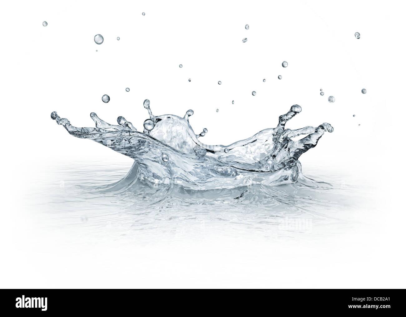 Salpicaduras de agua aislado sobre fondo blanco, con unas gotas de volar.. Imagen CGI. Imagen De Stock