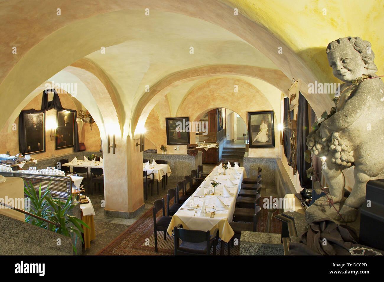 Restaurante en el castillo y el Hotel Neufahrn, en la Baja Baviera. Alemania Foto de stock