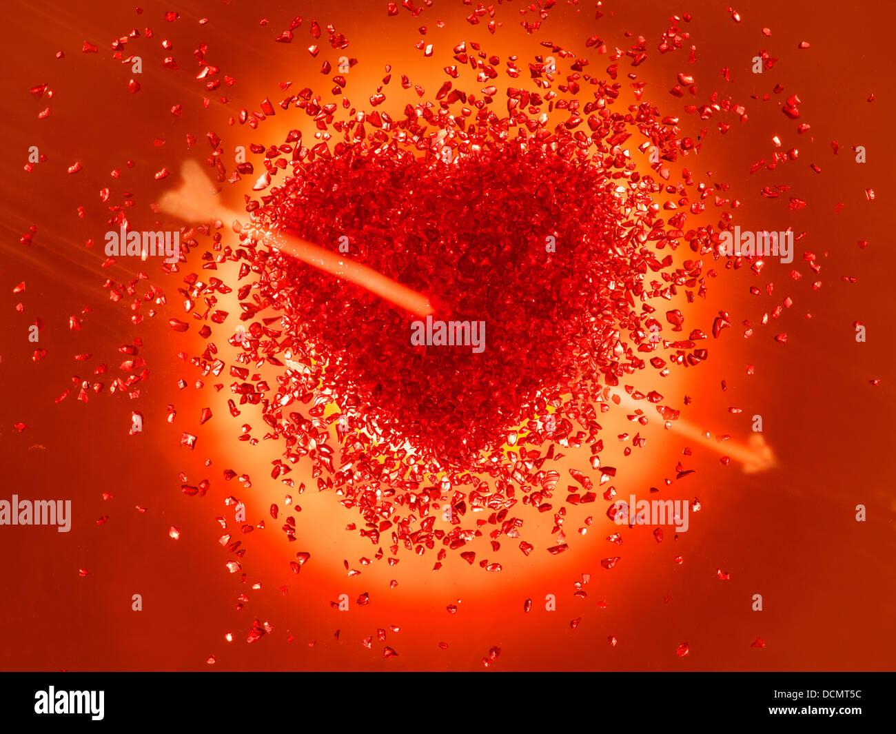 Rojo caliente Corazón traspasado con una flecha. Imagen De Stock