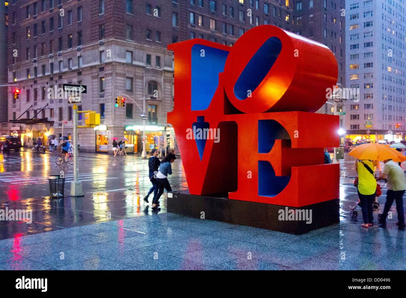 Amor escultura de Robert Indiana en NYC Foto de stock