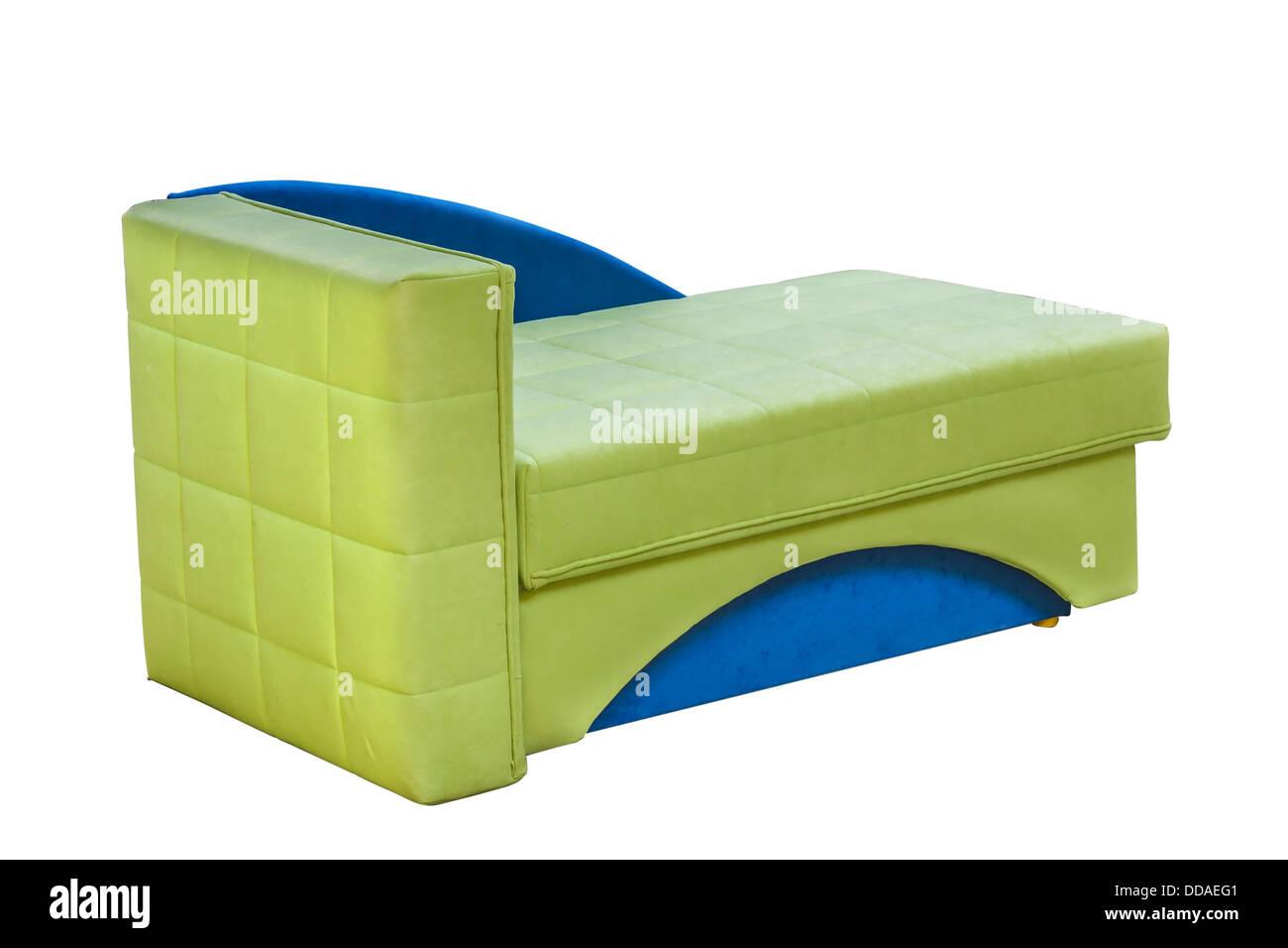 Organizan la cama sobre fondo blanco. Colorido sofá. Imagen De Stock