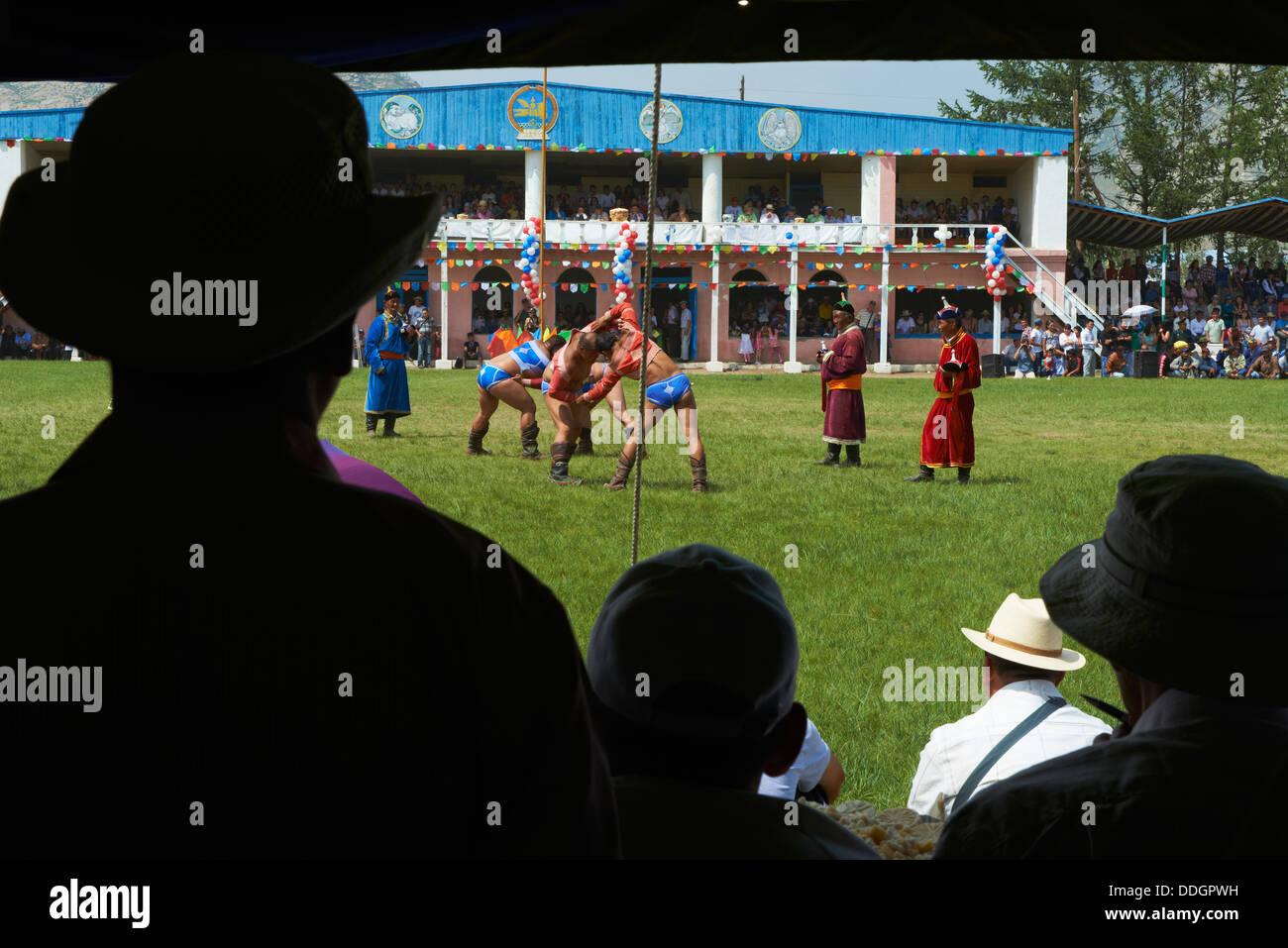 Mongolia, provincia Arkhangai, Tsetserleg, Festival de Naadam, torneo de lucha Imagen De Stock