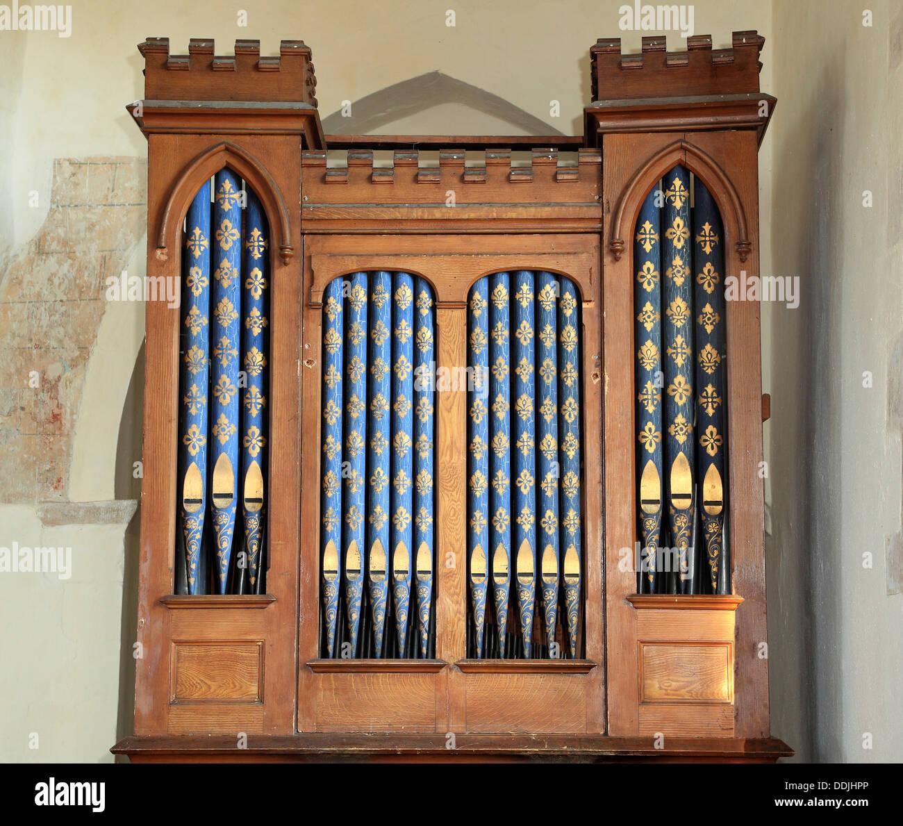 Órgano de la cámara de fecha 1823, Burnham Overy iglesia, Norfolk, Inglaterra música órganos Imagen De Stock
