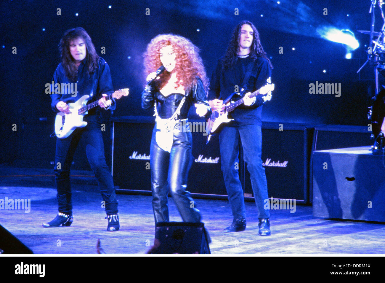 Cher, * 20.5.1946, cantante y actriz americana, en un recital, a principios de los años noventa, , Additional-Rights-juegos-NA Imagen De Stock