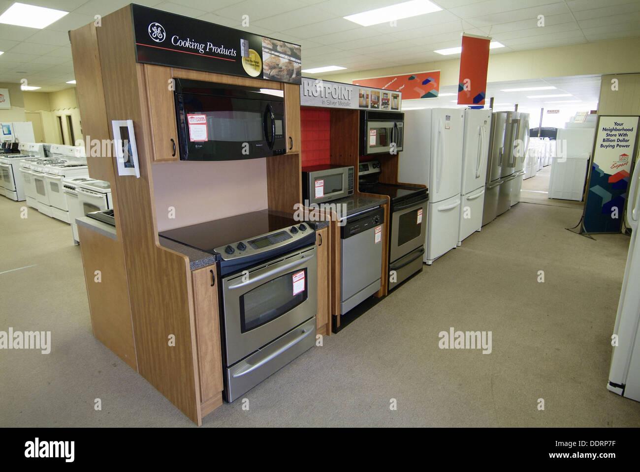 170c435bc Mostrar de nuevo la estufa o gama de aparatos para la venta en la tienda  Imagen