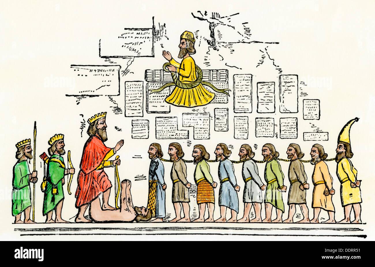 Darío el Grande de Persia conquistando rebeldes. Xilografía coloreada a mano Foto de stock